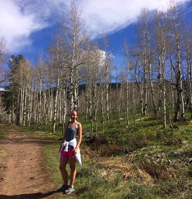 Trail running through the aspen trees in Crested Butte, Colorado | THE REAL LIFE | travel, Rocky Mountain getaways, running, fitness, food, restaurants