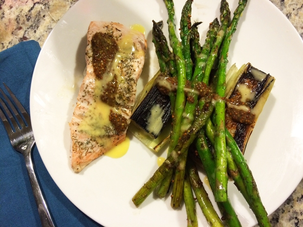Salmon with blacked leeks and asparagus with a mustard sauce and a homemade aioli | THE REAL LIFE | food, recipes, meals, vegetarian, whole foods, cooking, healthy eating, fitness, eating