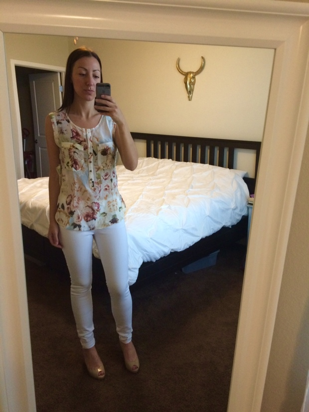 Fiorna split-neck top, Dayna white skinny jeans from Stitch Fix! clothing, fashion, style, white jeans, summer attire, outfits