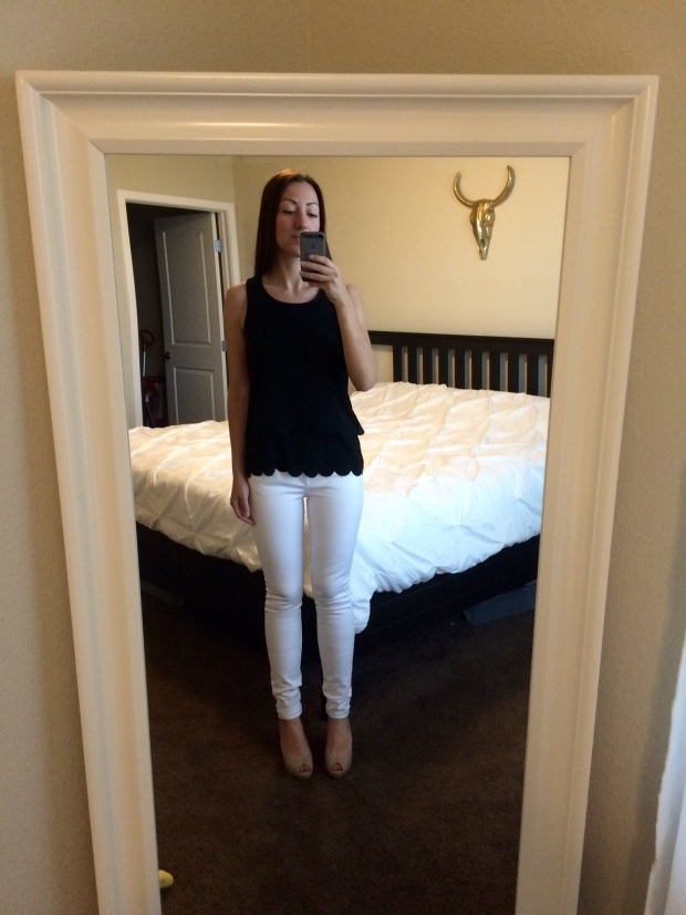 Violets cut-out-back scalloped blouse from Stitch Fix! clothing, fashion, style, white skinny jeans | THE REAL LIFE blog