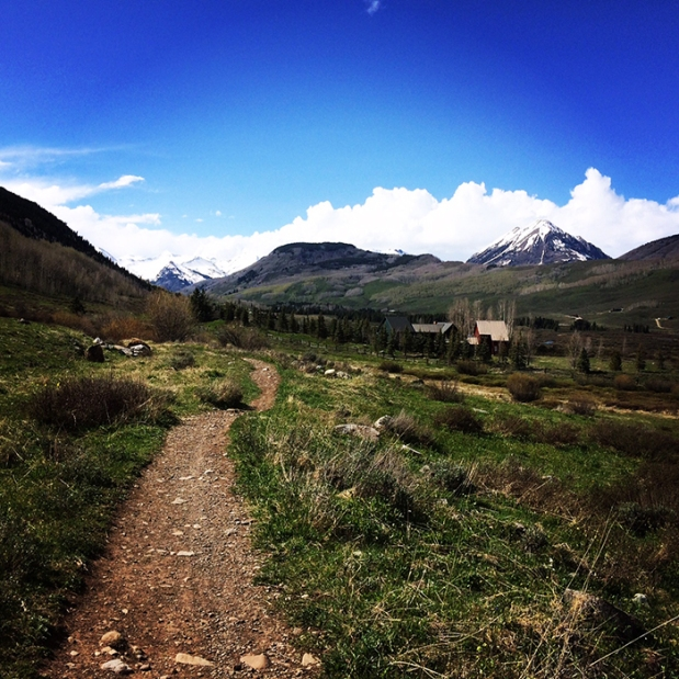 Trail running in Crested Butte, Colorado | THE REAL LIFE | travel, Rocky Mountain getaways, running, fitness, food, restaurants