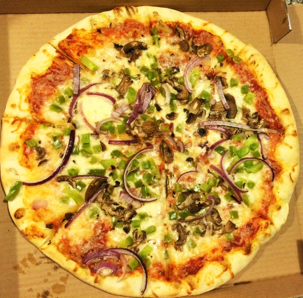 Cosmo's Pizza and spicy ranch is the best culinary experience in Denver, Colorado | THE REAL LIFE | food, foodie, restaurants, Denver, pizza, Italian food, best places to eat in Denver Colorado