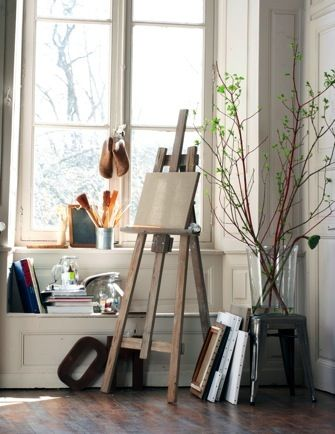 Easel painting area