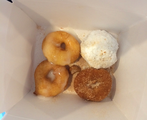 Niky's mini donuts in Crested Butte, Colorado THE REAL LIFE | travel, fitness, running, food, foodie, restaurants, coffee, health eating