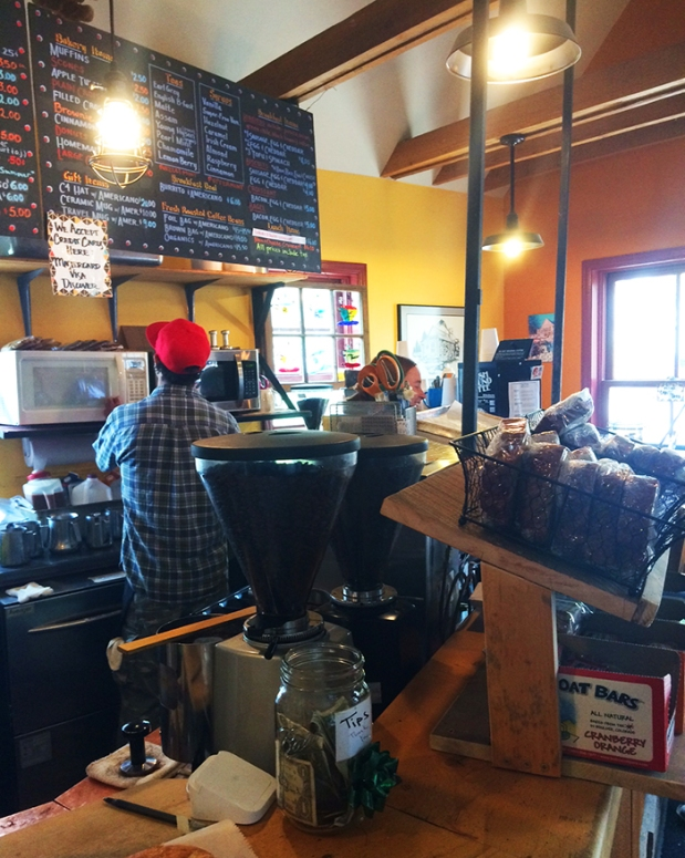Camp 4 Coffee house in Crested Butte, Colorado | THE REAL LIFE | travel, fitness, running, food, foodie, restaurants, coffee, health eating
