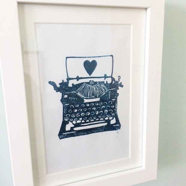 Typewriter heart print for editor office design