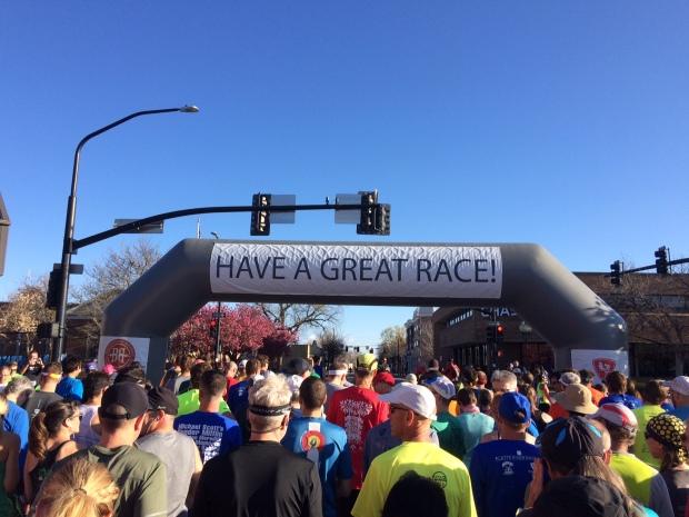 The crowd at the start line of the Platte River Half Marathon