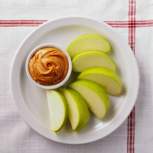 apple-slices-with-peanut-butter-snack-recipe-1